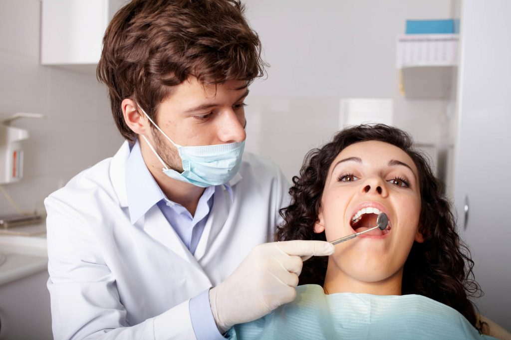 who is the best dentist roosevelt wa?