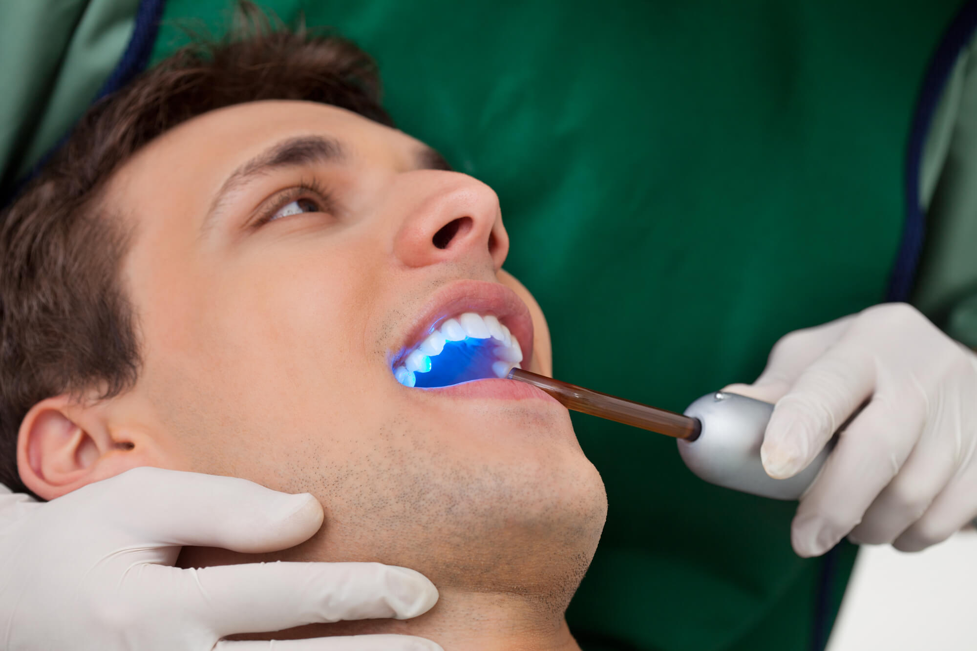 Who is the best Cosmetic dentist 98105?